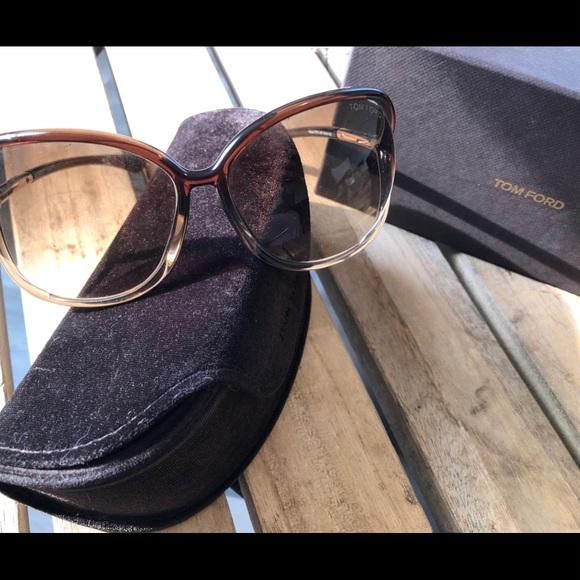 e447e50d0003 Tom Ford Raquel 63mm Oversized Sunglasses. M 5b7c262d2aa96a7c568bea4c